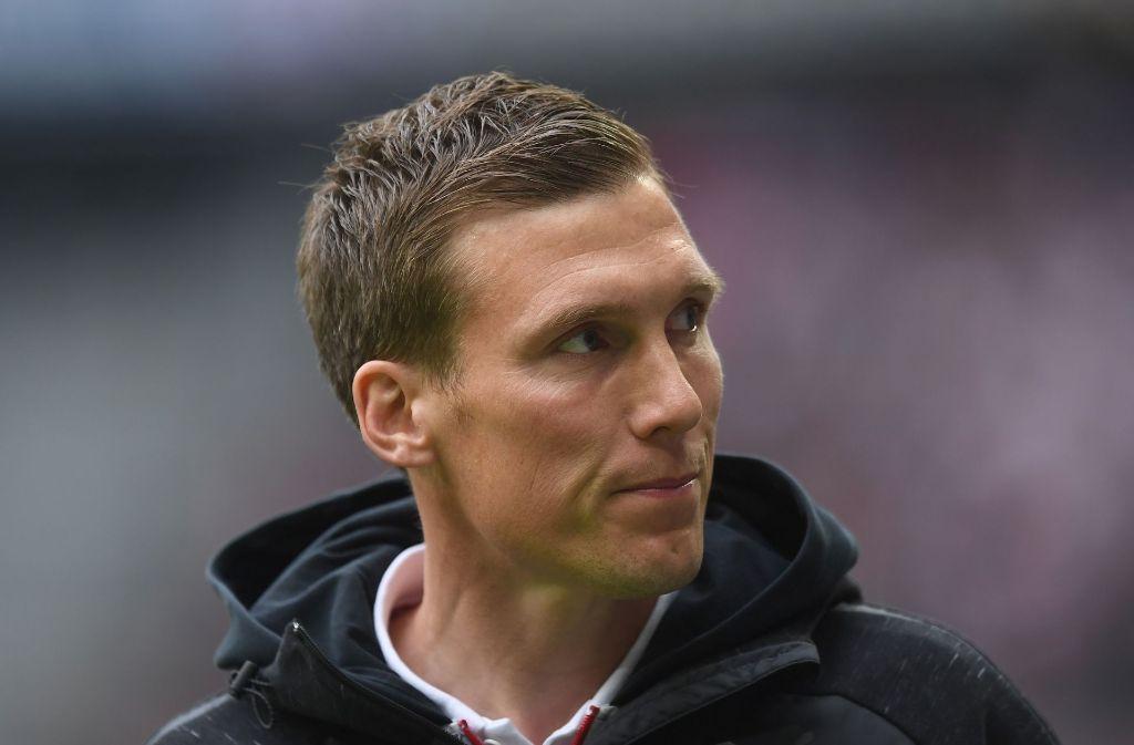 VfB-Trainer Hannes Wolf hat sich zum Anschlag auf den Mannschaftsbus des BVB geäußert. Foto: Bongarts