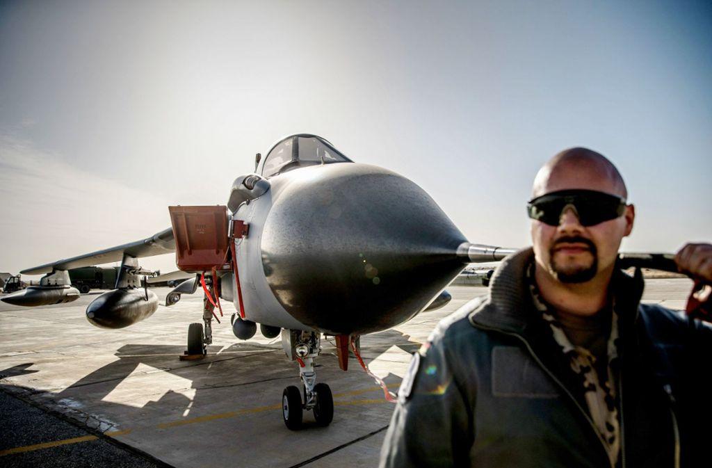 Vom jordanischen Luftwaffenstützpunkt Al-Asrak starten Tornadopiloten Aufklärungsflüge über Syrien und Irak. Foto: dpa/Michael Kappeler
