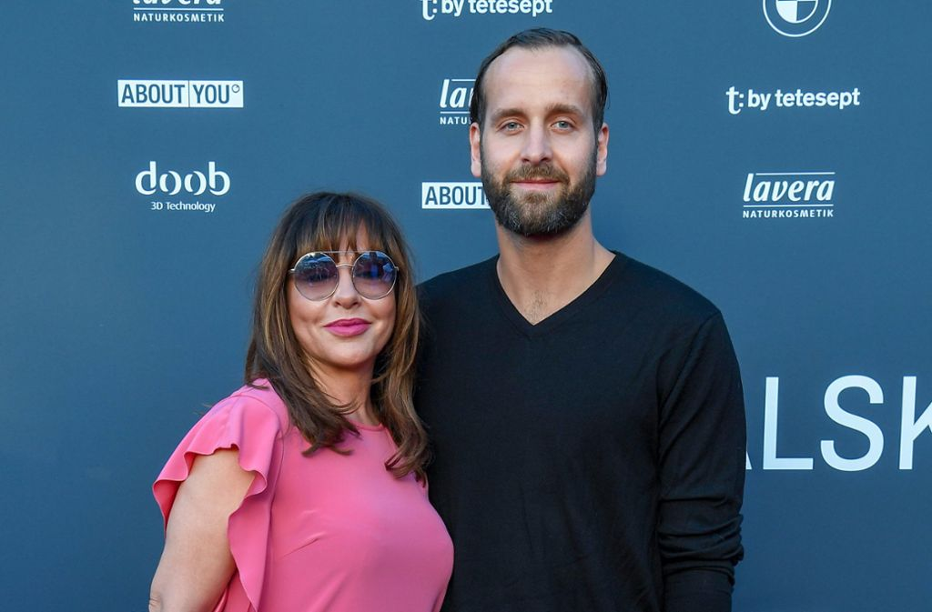 Glamour-Paar: Simone Thomalla und ihr Lebensgefährte, Handball-Nationaltorhüter Silvio Heinevetter. Foto: dpa