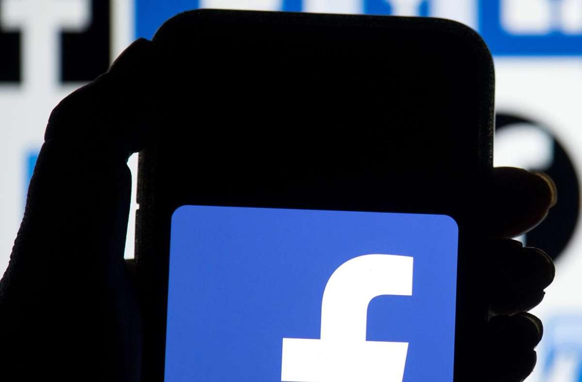 Mit dem neuen Update, möchte Facebook seinen Nutzern mehr Kontrolle über ihren News-Feed geben. (Symbolbild) Foto: Dominic Lipinski/PA Wire/dpa