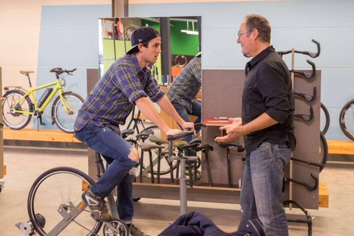 Experten raten ambitionierten Radfahrernzu einem Bike-Fitting mit Satteldruckanalyse. Foto: www.velotraum.de| pd-f