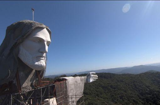 Neue Christus-Statue löst Wettstreit aus