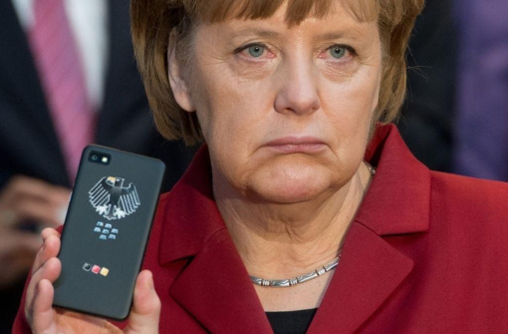Angela Merkel  ist nicht amüsiert: Ihr Handy ist von den Amerikanern abgehört worden. Foto: dpa