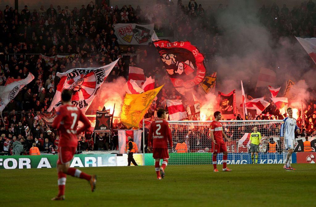 Bei den Auswärtsspielen im Europapokal ging es im Block des VfB Stuttgart meist wild zu – wie hier 2012 in Kopenhagen. Foto: Baumann