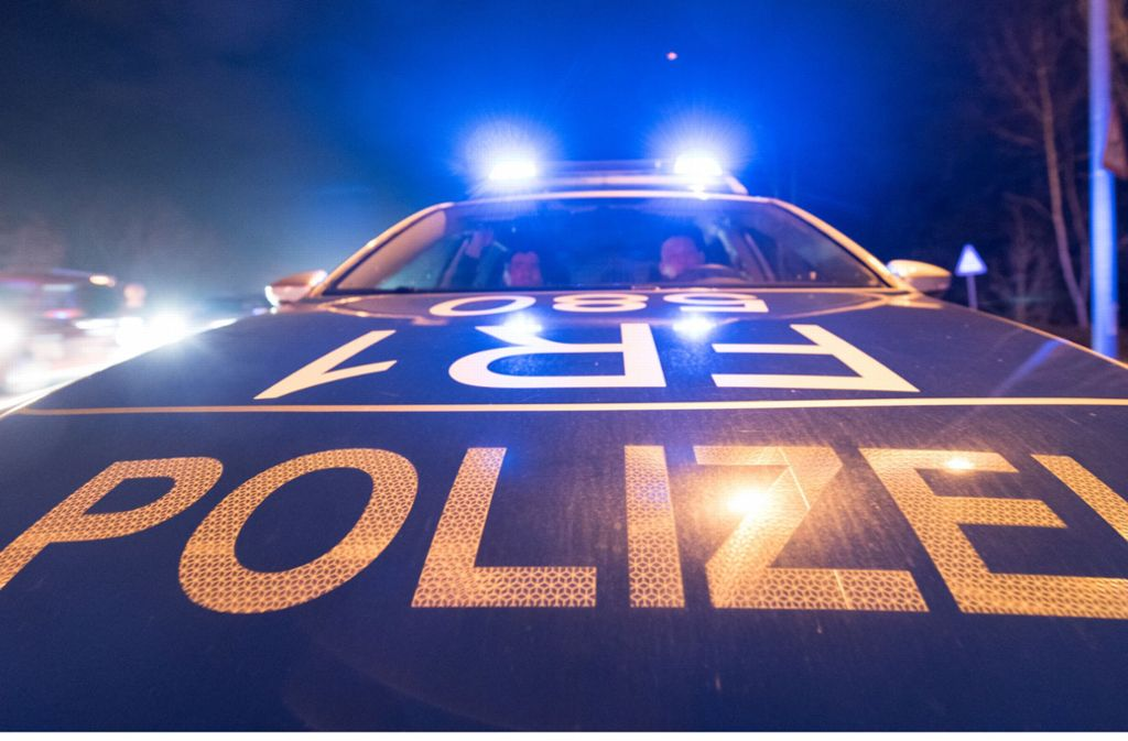 Die Polizei konnte trotz Fahndung den Unbekannten nicht finden. Nun bittet sie um Hinweise (Symbolbild). Foto: dpa