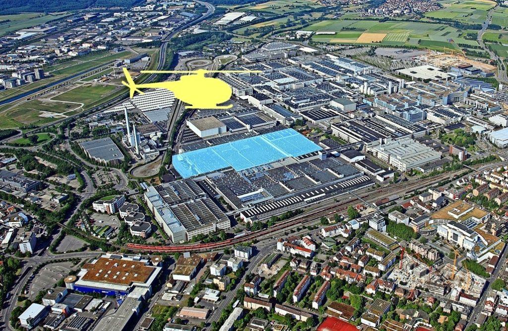 Ein Hubschrauber liefert am Samstagnachmittag Ventilatoren. Foto: Daimler