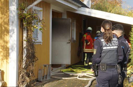 Frau stirbt bei Feuer in Einfamilienhaus