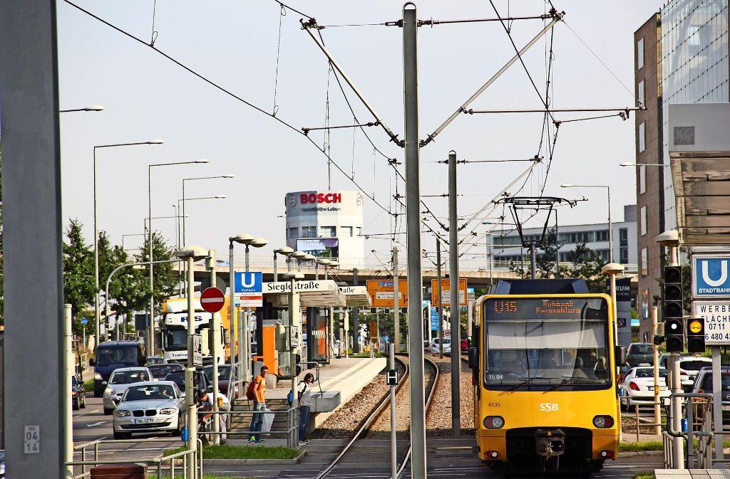 Ziel des NVEP ist es, dass mehr Bürger vom Auto in die Bahn oder den Bus umsteigen. Auf diese Weise soll der Individualverkehr um 20 Prozent reduziert werden. Foto: Archiv Georg Friedel