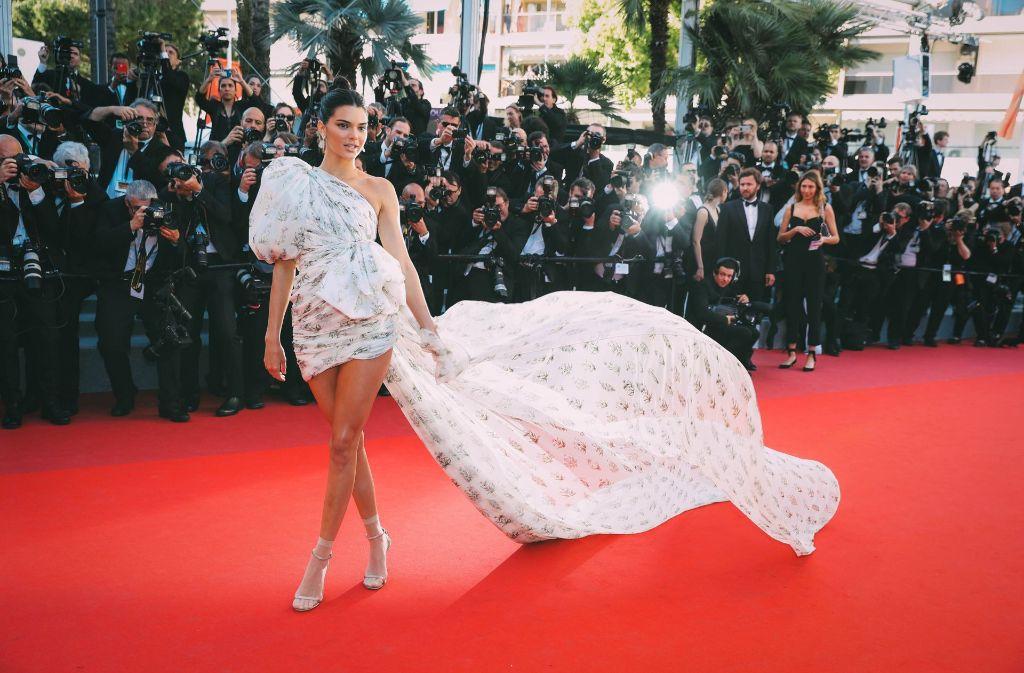 Kendall Jenner machte auf dem Roten Teppich eine gute Figur. Von vorne genau so... Foto: Getty Images Europe