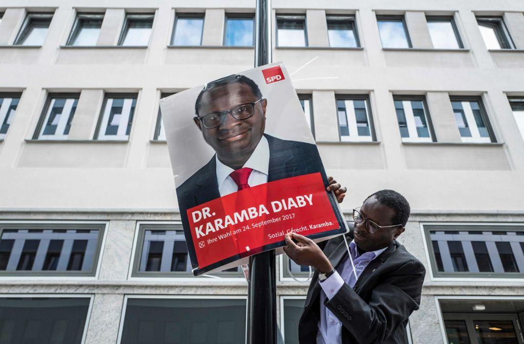 Ziel von Bedrohungen: Der SPD-Bundestagsabgeordnete Karamba Diaby. Foto: AFP/JOHN MACDOUGALL