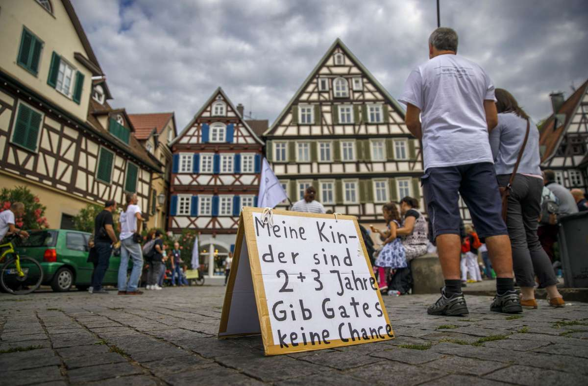 Auch der US-Unternehmer Bill Gates ist ein Feindbild der Demonstranten Foto: Gottfried Stoppel