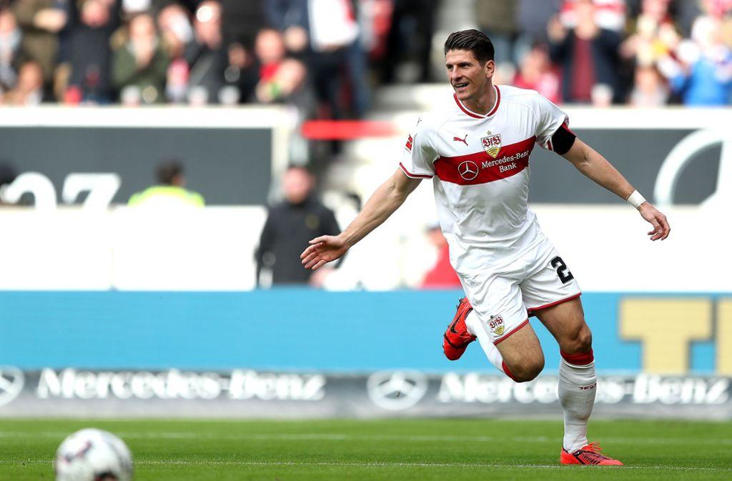 Mario Gomez und der VfB Stuttgart spielen in der Relegation gegen den 1. FC Union Berlin. Foto: Bongarts/Getty Images