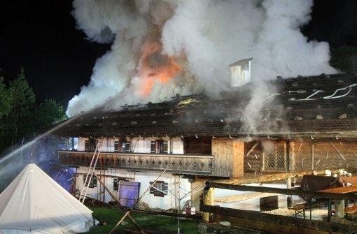 Brand in Gästehaus - sechs Vermisste