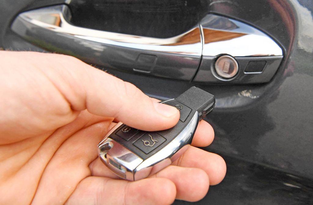 Bei der Keyless-Go-Technik werden die Funksignale der Autuschlüssel angezapft (Symbolbild). Foto: dpa
