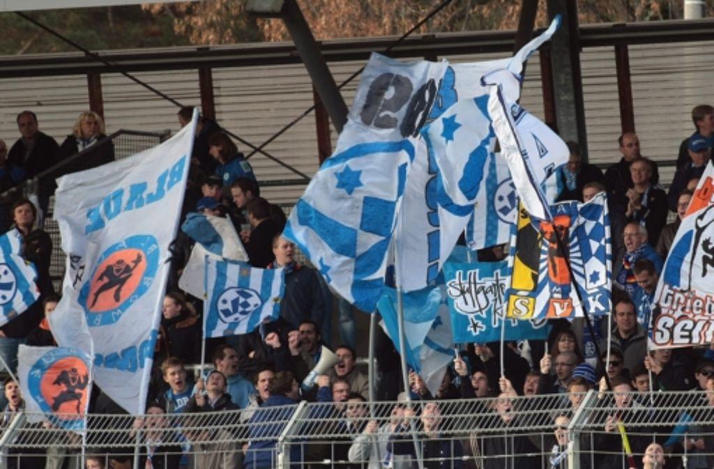 Die Fans der Kickers können aufatmen: Ihr Verein steht finanziell recht solide da. Foto: Pressefoto Baumann