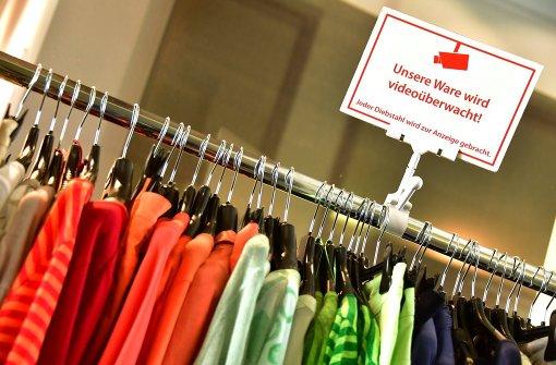 Handel fordert strengere Verfolgung von Ladendieben