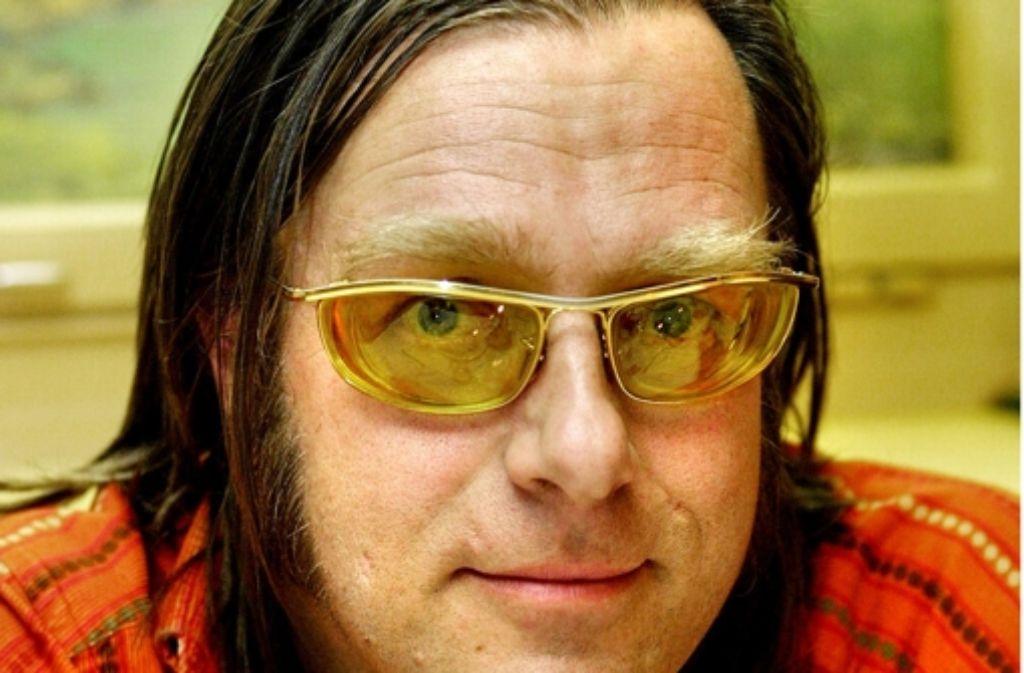 Der Entertainer Michael Gaedt diskutiert für die erkrankte Cordula Stratmann mit. Foto: Veranstalter
