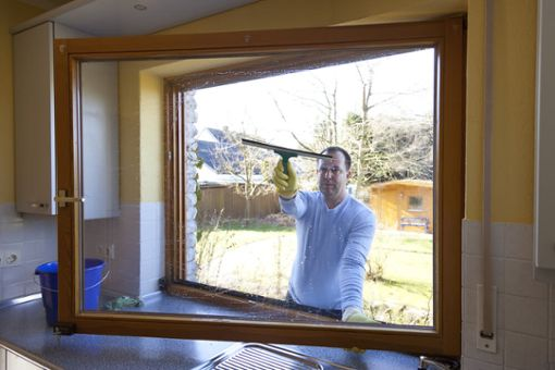 Darf man sonntags die Fenster putzen?