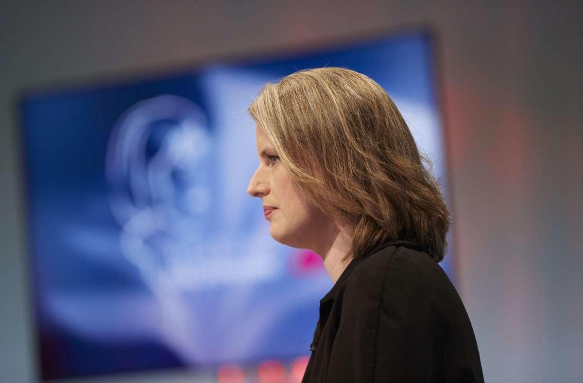 Die Literaturkritikerin Insa Wilke bei der Eröffnung des diesjährigen Wettlesens um den Bachmannpreis. Foto: Puch Johannes