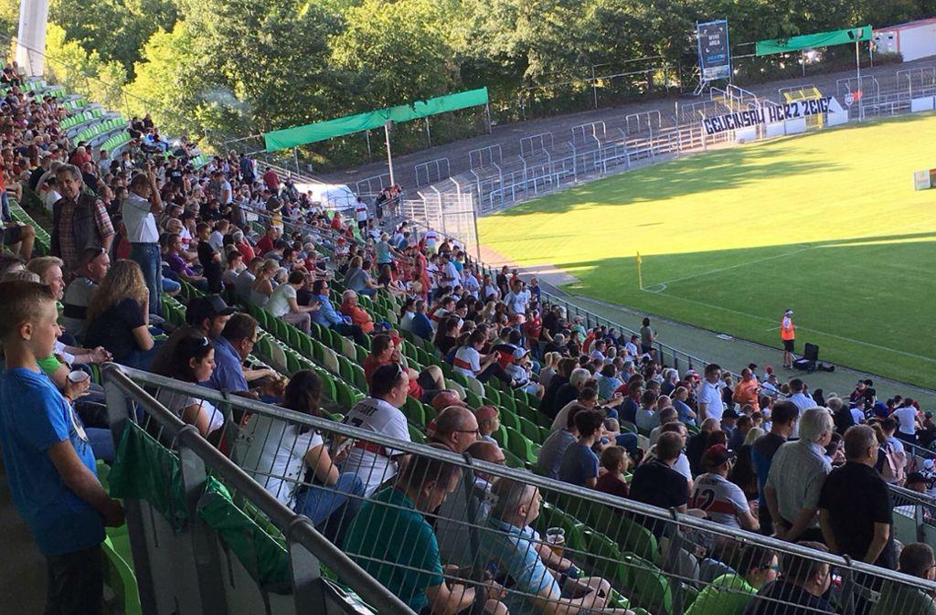 Tayfun Korkut bestreitet mit dem VfB Stuttgart ein Testspiel beim SSV Reutlingen. Foto: Christian Pavlic