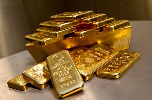 Bande erbeutet kiloweise Gold und Silber