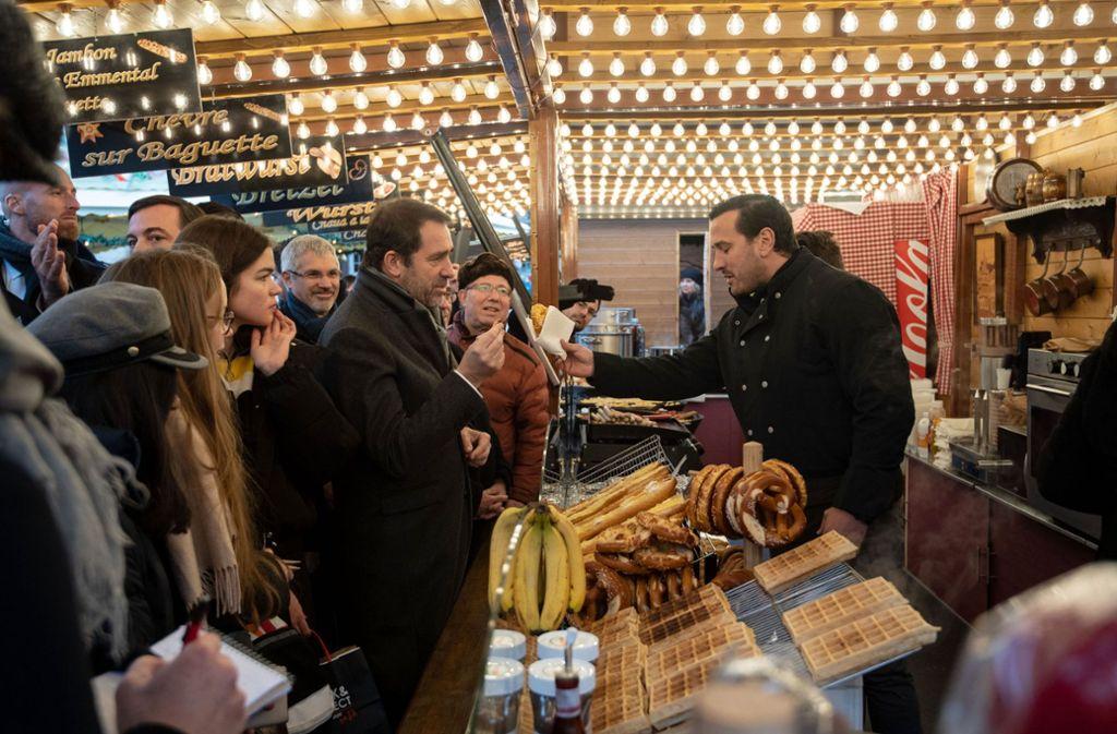 Der Weihnachtsmarkt in Straßburg ist wiedereröffnet worden. Foto: dpa