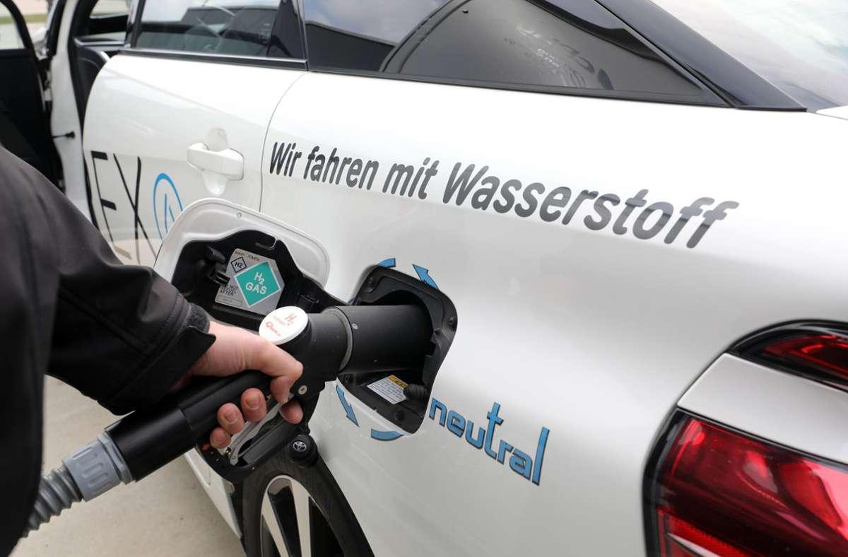 Die Nutzung von Wasserstoff als Energieträger und die Ökostromproduktion sollen in den kommenden Jahren ausgebaut werden. Foto: dpa/Bernd Wüstneck