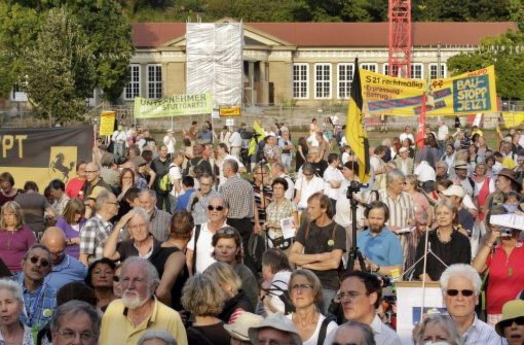 Die Montagsdemo hat dieses Mal in Cannstatt stattgefunden. Foto: factum/Weise