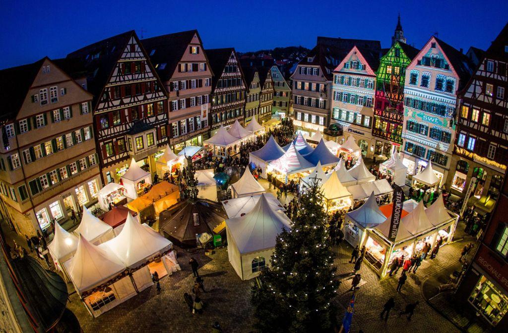 Beim Schokoladenfestival chocolART strahlt und leuchtet die Tübinger Altstadt Foto: dpa