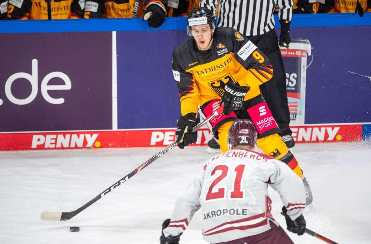 Das bislang letzte Länderspiel bestritt die deutsche Mannschaft (Leon Gawanke/hi.) gegen Lettland im Rahmen des Deutschland-Cups im November 2020. Foto: imago/Elmar Kremser