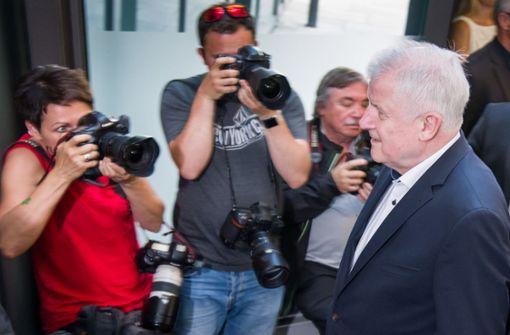 Horst Seehofer bietet Rücktritt von allen Ämtern an