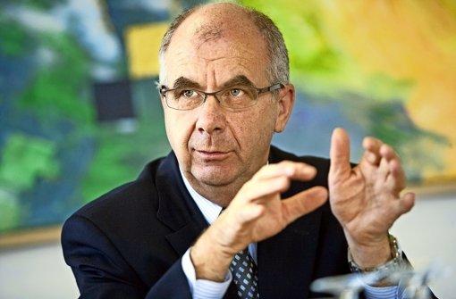 Siegfried Stumpf hat zwei Wochen Zeit für seine Entscheidung. Foto: Steinert