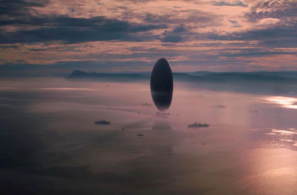 """In """"Arrival"""" sehen die Raumschiffe der Aliens"""" ...  Foto: Sony Pictures"""