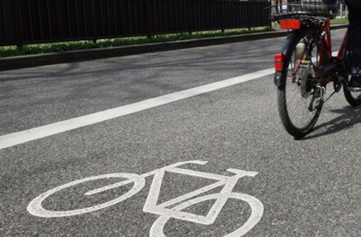 Fahrradfahrer kollidieren frontal miteinander