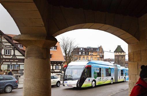 Neue Oberleitungen für Esslingen