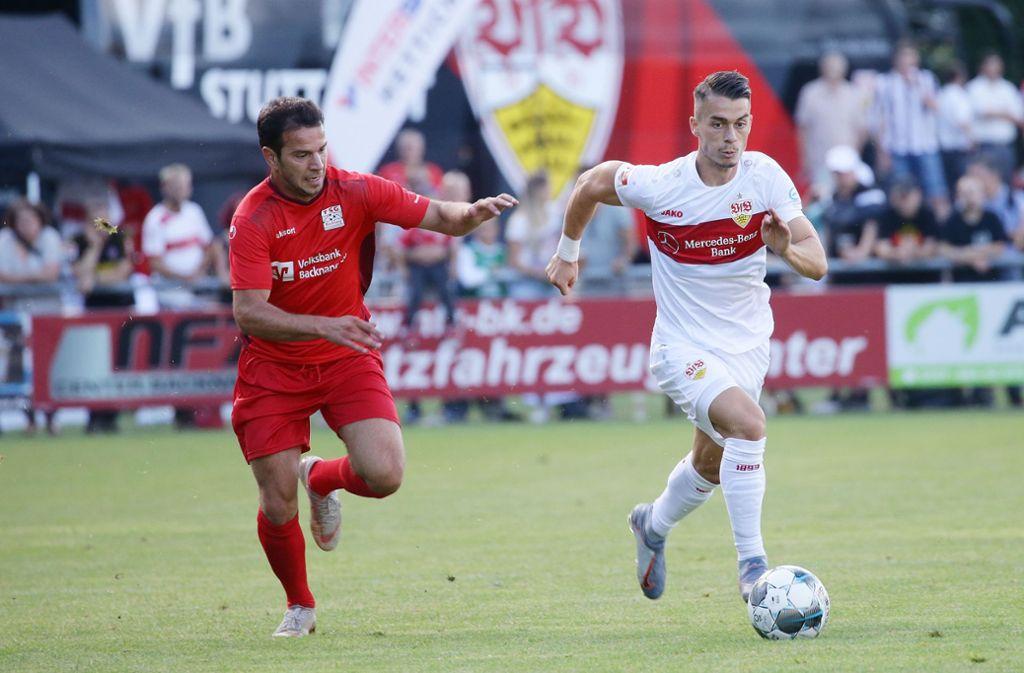 Erik Thommy (rechts) wird das VfB-Trikot in der kommenden Saison nicht tragen. Foto: Pressefoto Baumann