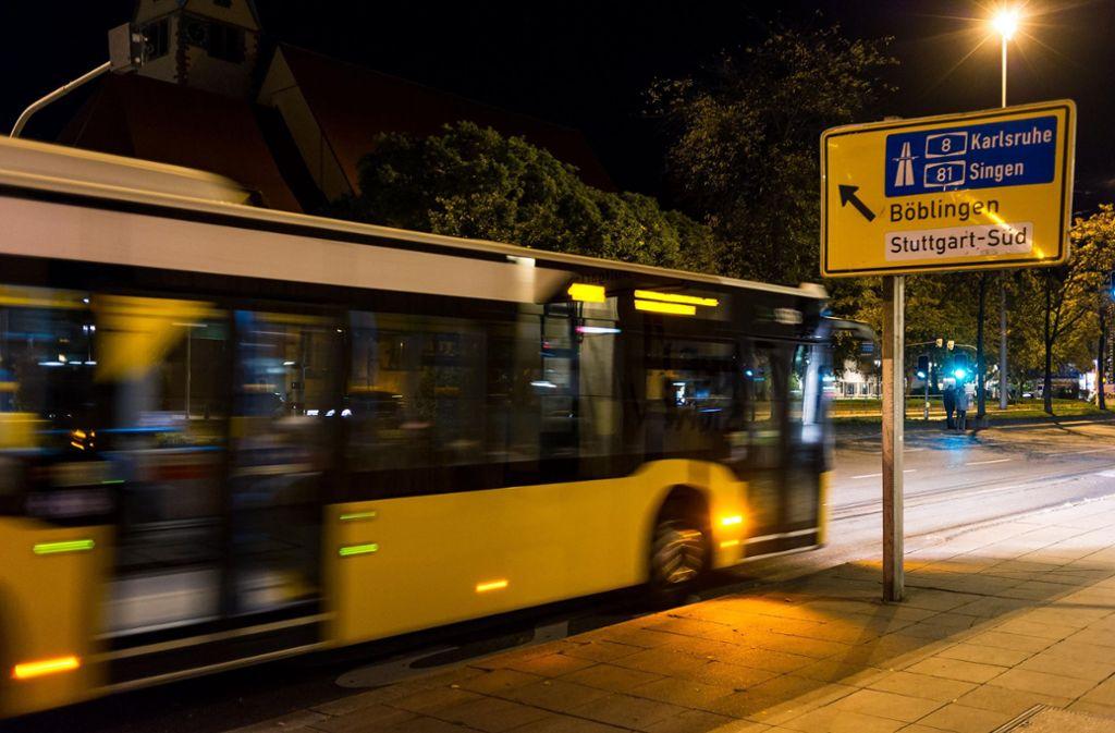 Von Montag an sind wieder mehr Busse und Bahnen in der Stadt unterwegs. Foto: Lichtgut/Max Kovalenko