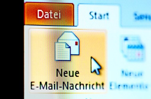 Um alte Mails aus dem Herbst 2010 wird immer erbitterter gerungen. Foto: dpa