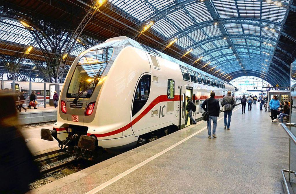 Die Doppelstockzüge von Bombardier – bei Intercitys ist die Bahn schon auf Modernisierungskurs. Foto: Bahn