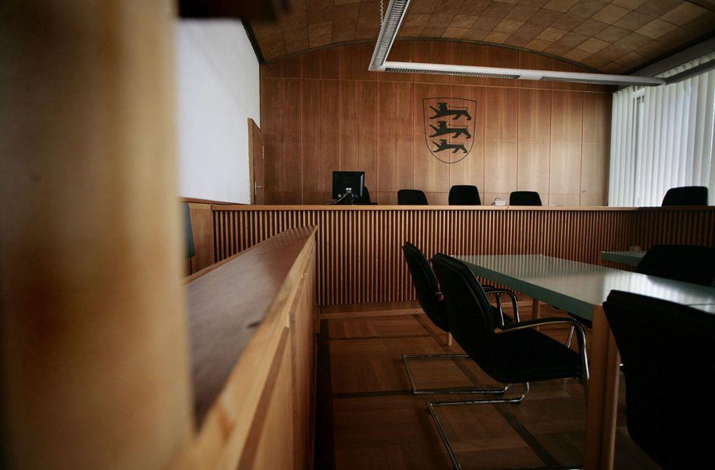 Vor dem Amtsgericht in Ludwigsburg wird gegen drei junge Männer wegen Raubes und gefährlicher Körperverletzung ermittelt. Foto: /factum /Granville