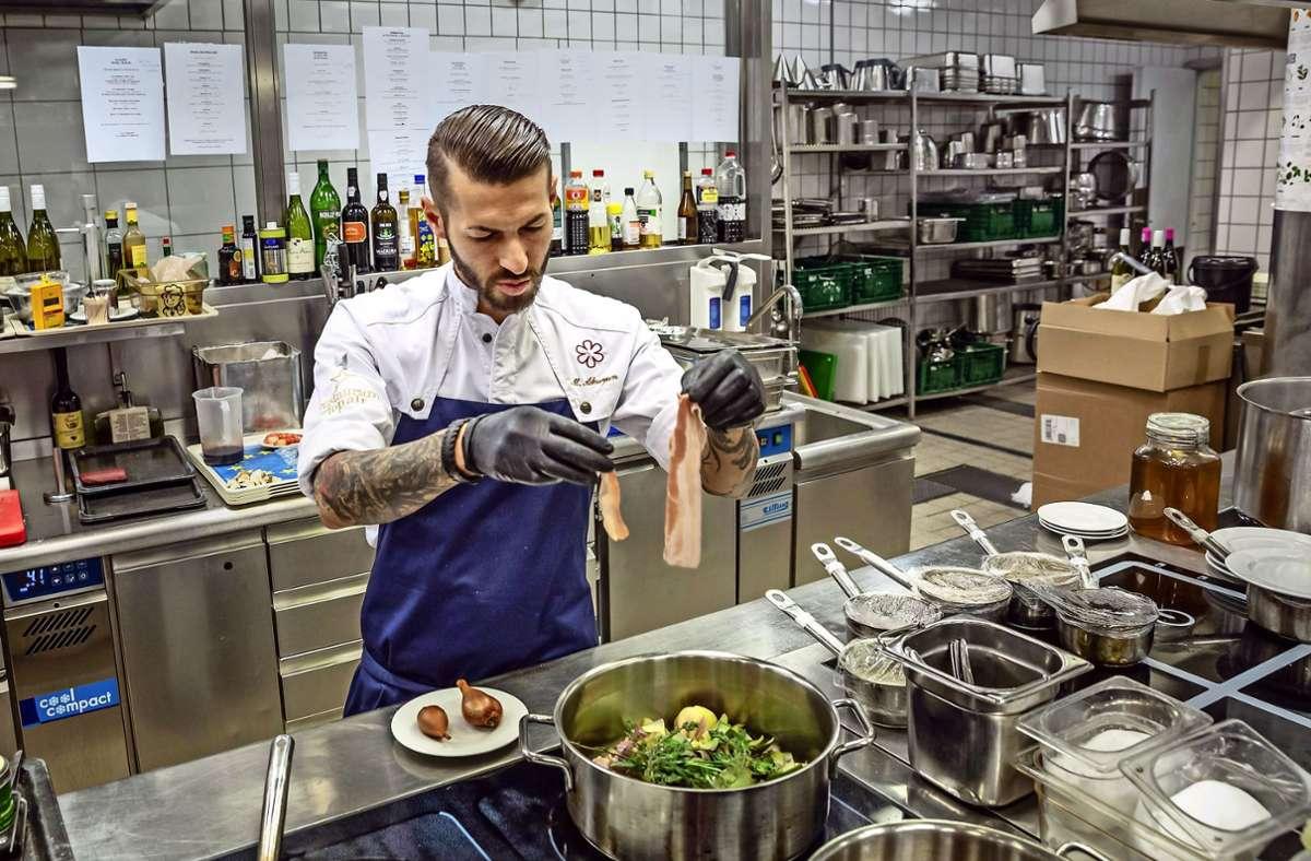 Stuttgart verliert eines seiner besten Restaurants: Marco Akuzun kehrt nicht wieder in die Küche des Top Air zurück. Foto: Lichtgut/Julian Rettig
