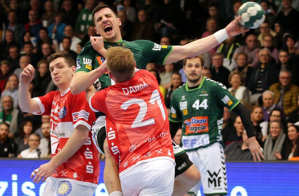 Schmerz lass nach! Nemanja Zelenovic fällt bis zum Saisonende aus. Foto: Baumann