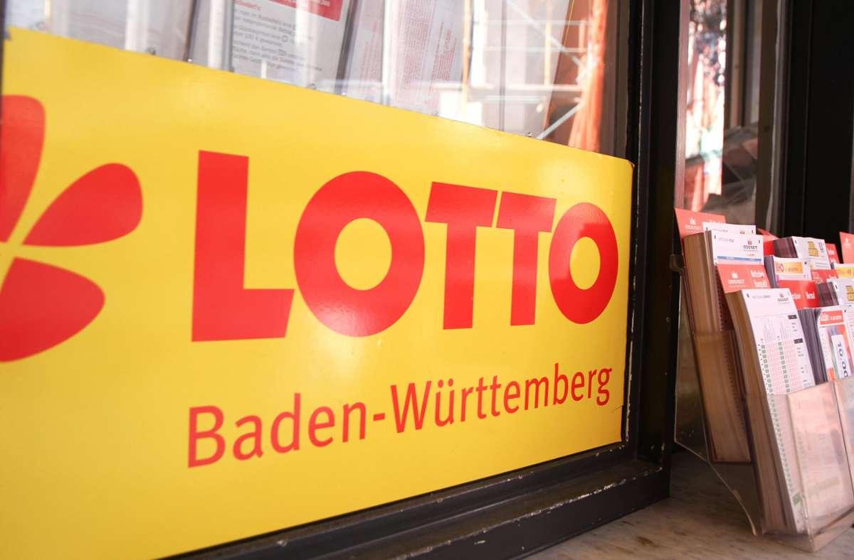 Der größte Einzelgewinn in Baden-Württemberg ging in den Ortenaukreis. Der Glückspilz dort ergatterte  63,3 Millionen Euro. (Symbolbild) Foto: imago images/Eibner/Fleig / Eibner-Pressefoto via www.imago-images.de