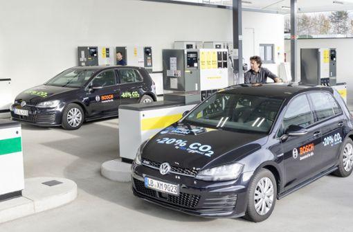 Neuer Kraftstoff soll Verbrenner klimafreundlicher machen