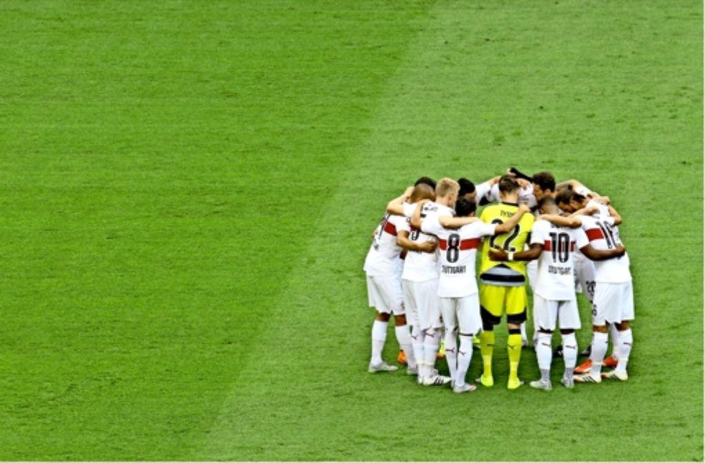 Der VfB hält zusammen und schwört sich auf die nächsten Aufgaben ein. Foto: Baumann