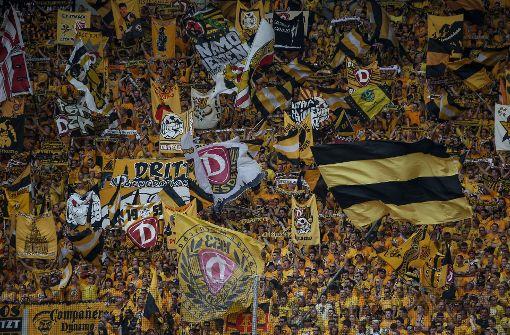 Polizei rüstet sich für Fußmarsch der Dynamo-Ultras