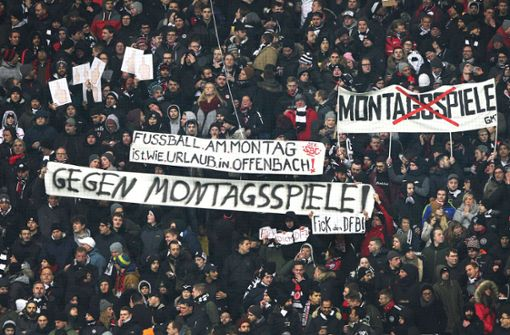 30 Frankfurt-Fans randalieren in Burger-Laden