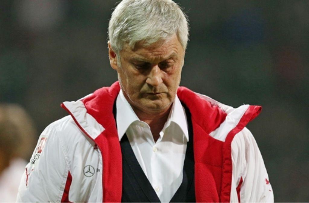"""Auch nach der 0:2-Niederlage des VfB Stuttgart sagt Armin Veh das, was er in dieser Saison schon häufig gesagt hat: """"Wenn man solche Fehler macht, kann man kein Spiel gewinnen."""" Foto: Pressefoto Baumann"""