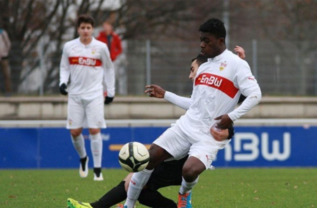 Dylan Esmel trifft für die B-Jugend des VfB Stuttgart zum Sieg.  Foto: Lommel/vfb-exklusiv