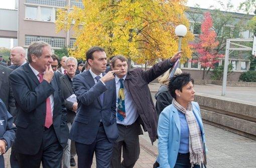 Innenminister Gall schafft neue Stellen